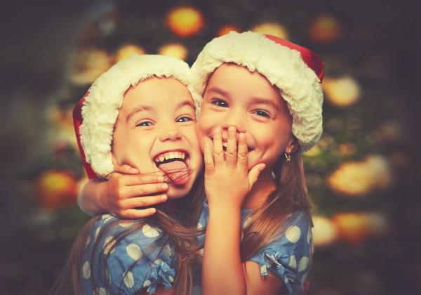 Kinder in der Weihnachtszeit